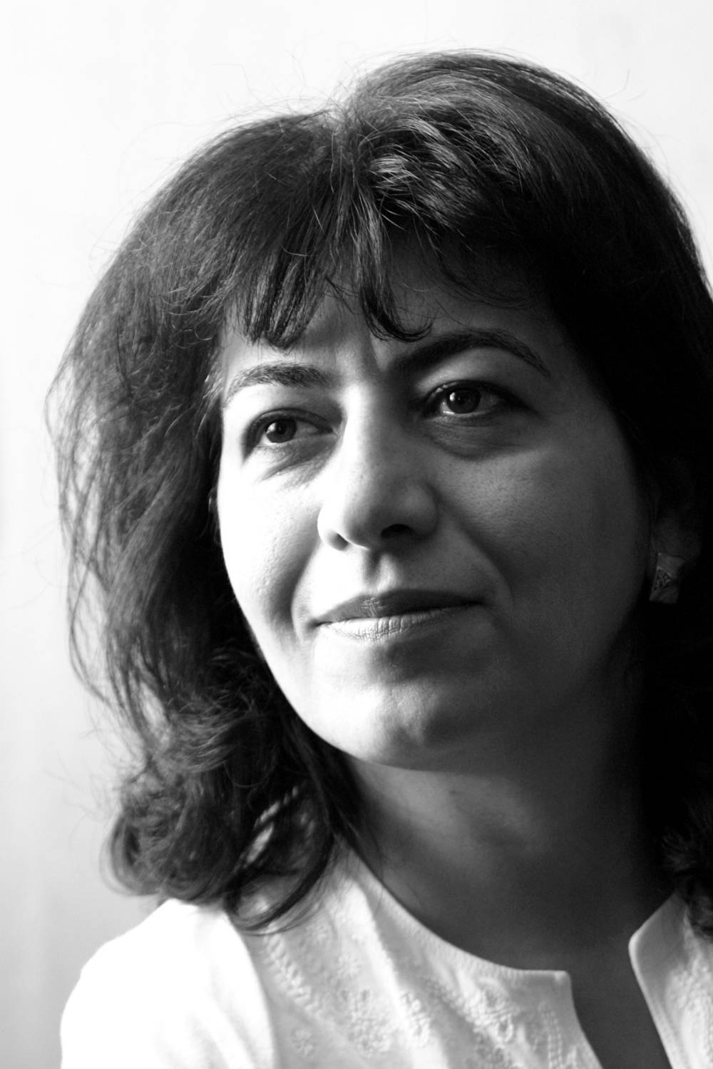 Photo of poet Dunya Mikhail